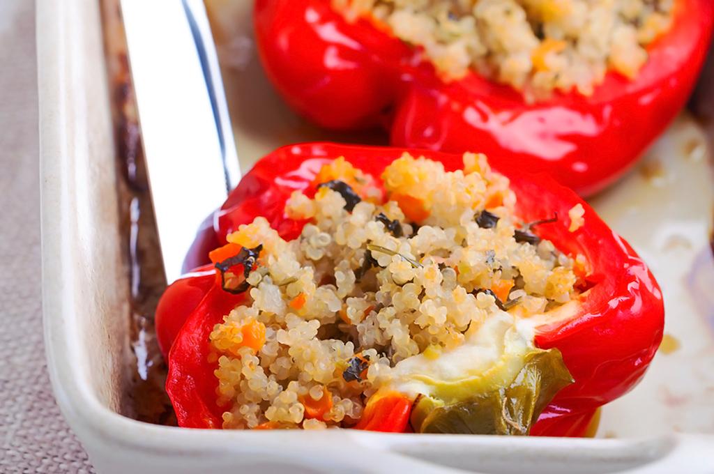 chile relleno con quinoa