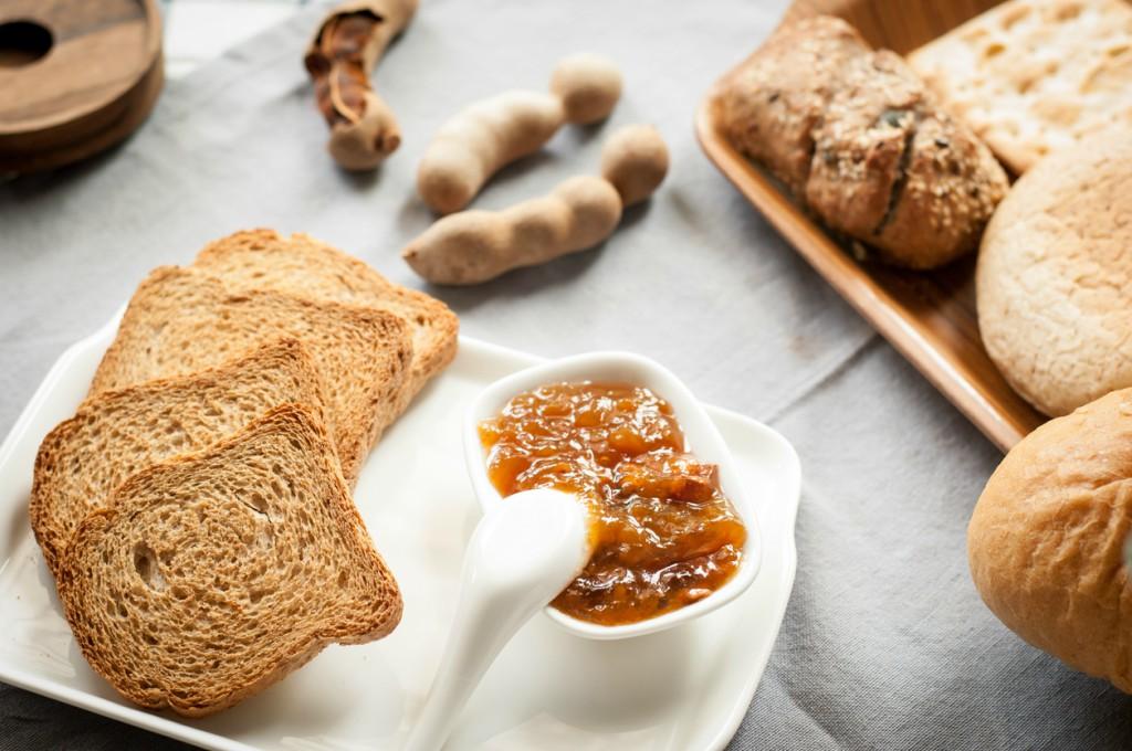 pan tostado con jalea tamarindo