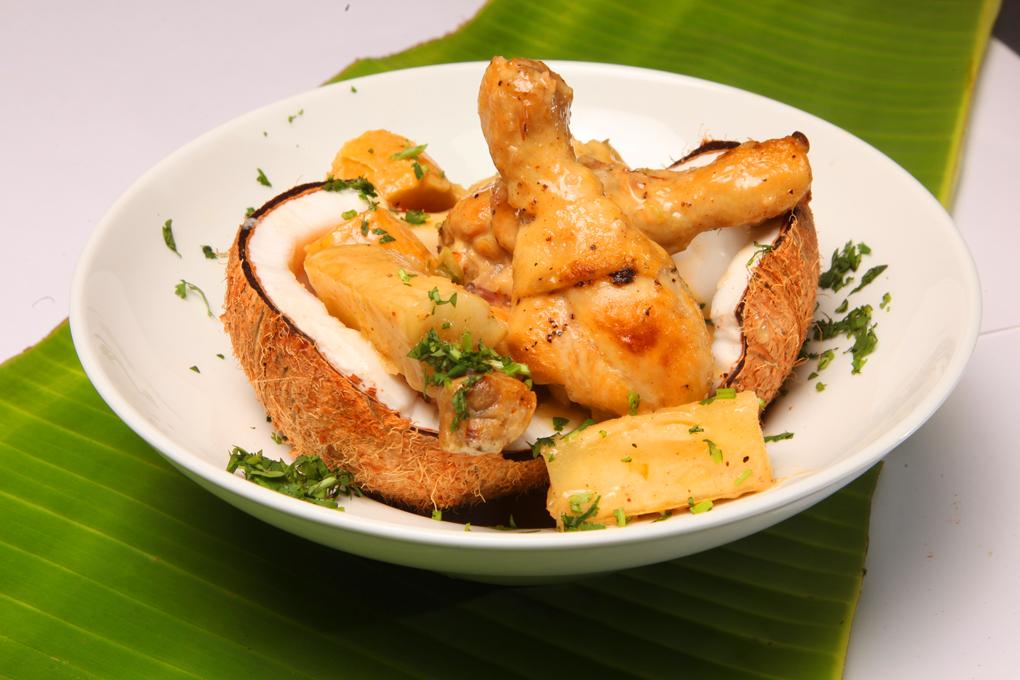 guiso de pollo y coco