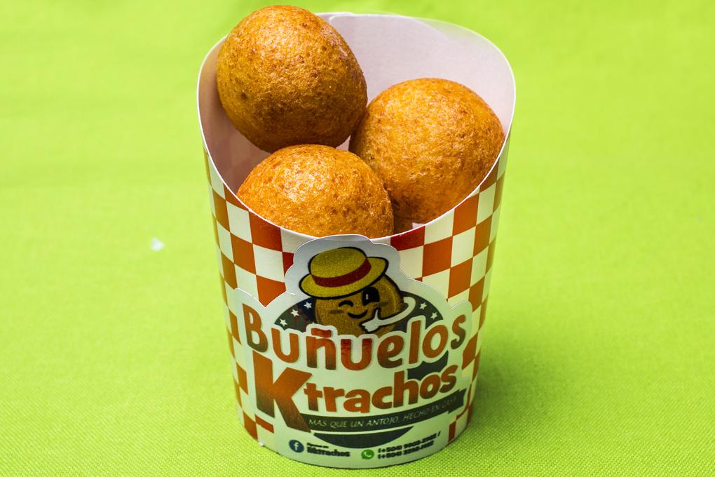 Deliciosos buñuelos elaborados con harina de yuca y son libres de gluten.
