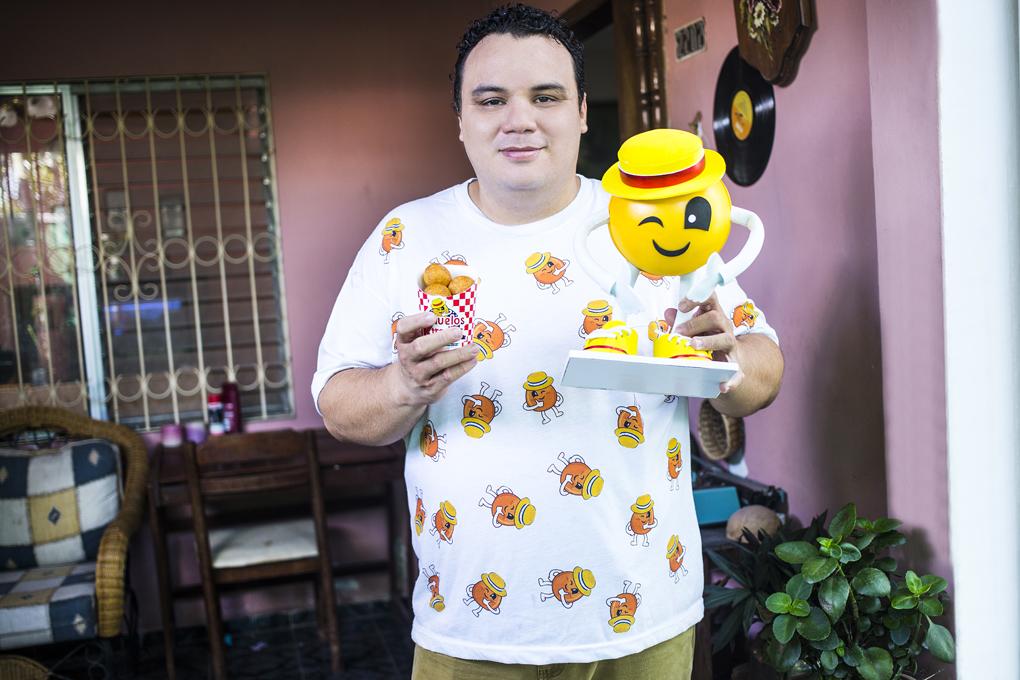 Ricardo Chiuz, creados de la marca Buñuelos Katrachos.