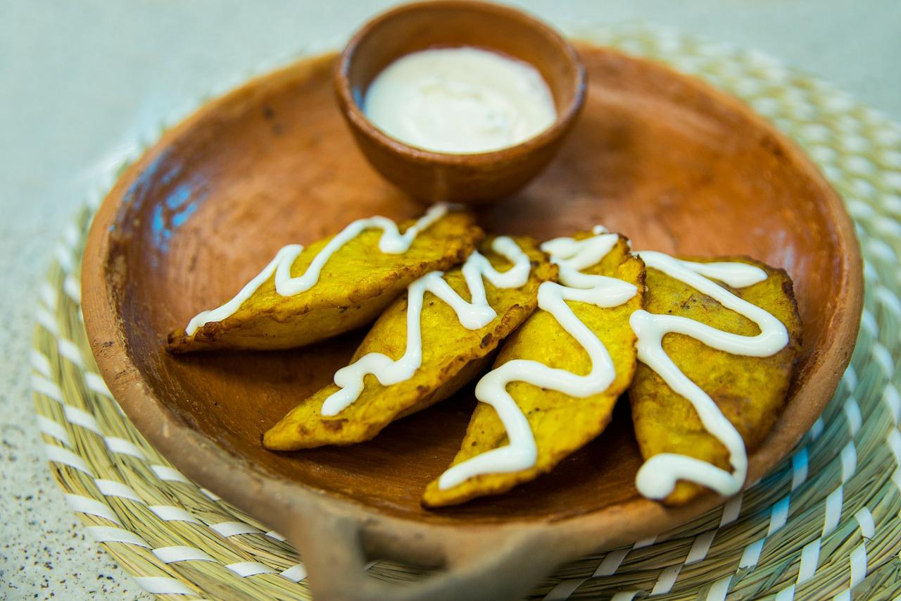 Pastelitos de plátano con frijoles