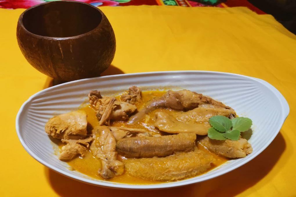 Deliciosa sopa macoy elaborada en Punta Gorda, Islas de la Bahía.