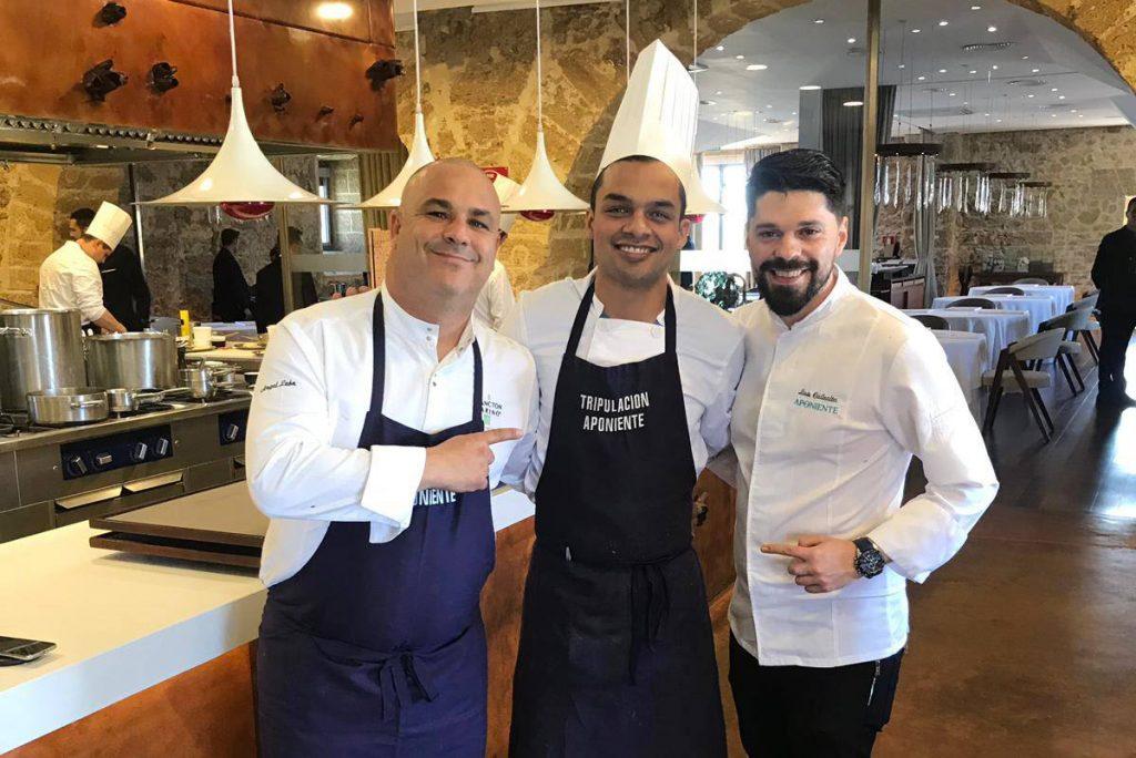 Carlos Espinal junto a Ángel León y Luis Callealta de Aponiente