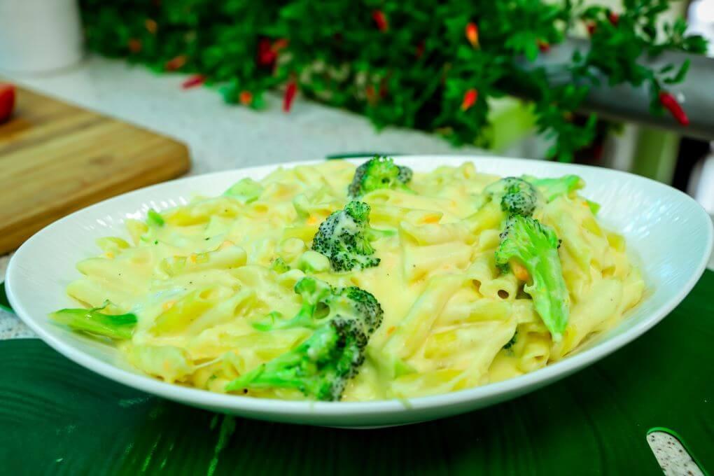 macarrones y brocoli