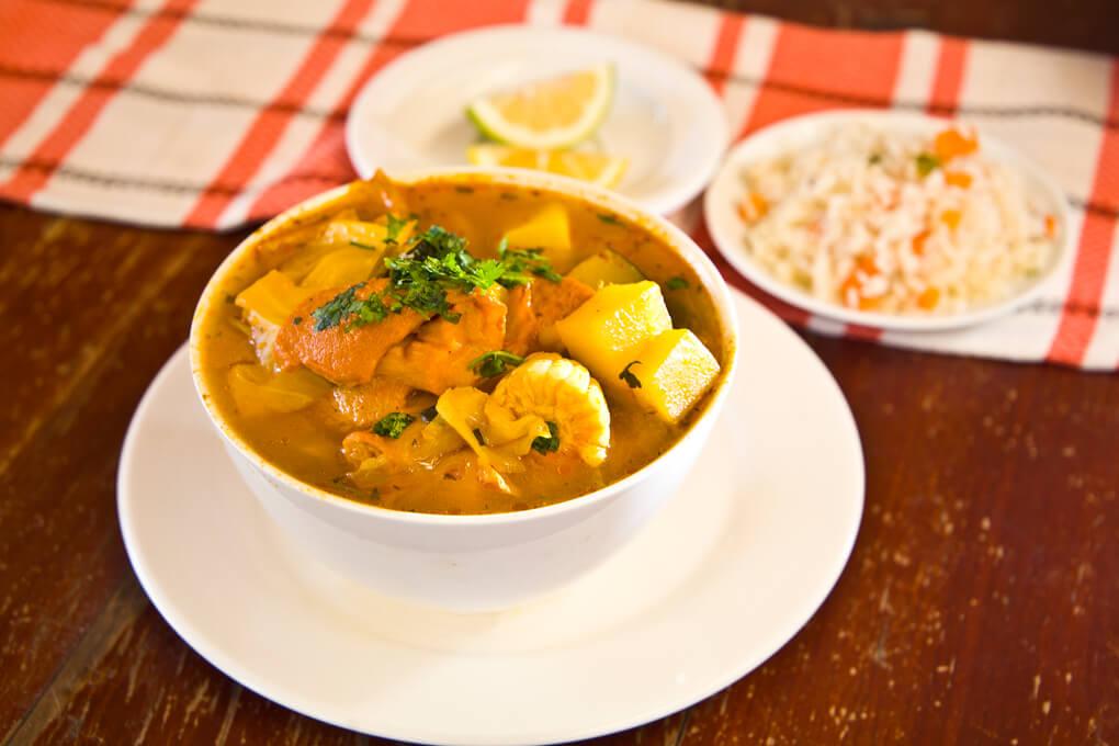 Sopa de mondongo con arroz