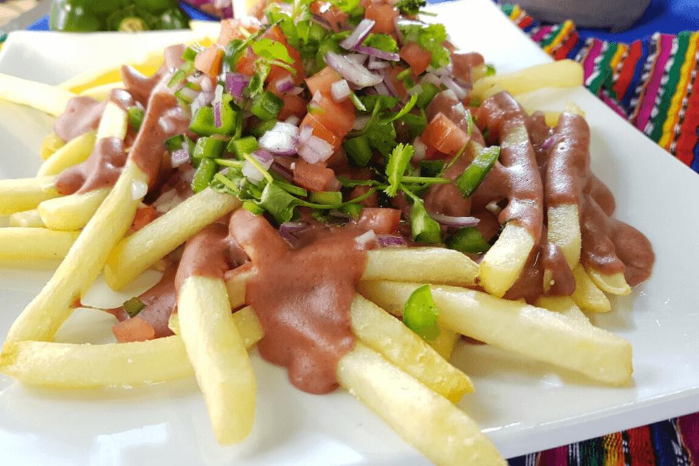 papas fritas a la hondureña